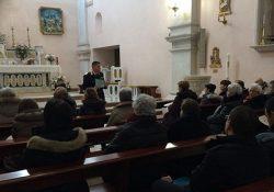 San Pietro Avellana. Carabinieri in chiesa incontrano gli anziani per metterli in guardia contro il pericolo delle truffe.