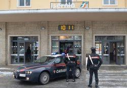 Isernia / Provincia. Migrante ferito alla testa presso la Stazione Ferroviaria, l'aggressore identificato dai Carabinieri.