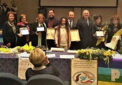 ALIFE / S. MARIA A VICO. Commozione al Premio per la Pace Donna Coraggio conferito alle professoresse Di Blasio, Sgambato e Iavarone.