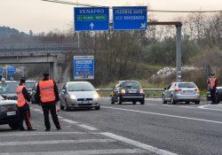 Venafro. Fermati dai Carabinieri mentre gareggiano in velocità alla guida di autoveicoli sulla S.S. 85 e sanzioanti.