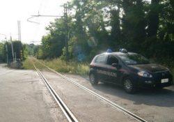 Apollosa. 40enne parcheggia l'auto lungo il passaggio e livello e tenta il suicidio lanciandosi da un ponte: bloccata dai carabinieri in località Tufariello.