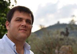 """SANT'ANGELO D'ALIFE. Taglio delle siepi, il sindaco Michele Caporaso: """"Ottimo lavoro dell'assessore Mariano ma ora chiedo la collaborazione di tutti i cittadini""""."""