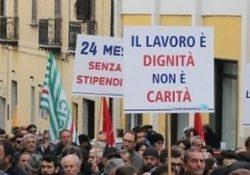 Sessa Aurunca. Consorzio Aurunco di Bonifica, i dipendenti scendono nelle strade: 22 dipendenti a tempo indeterminato e 70 stagionali senza stipendio da mesi e mesi.