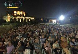 S. Maria C.V. Dall'arena allo schermo: Francesco Bruni incanta il pubblico con 'Tutto quello che vuoi'.