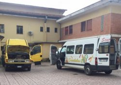 """ALIFE. Ma non si stavano """"scaldando i motori"""" dei due scuolabus che già erano pronti a partire per il nuovo anno scolastico? Intanto 1.420 euro di riparazione e quasi 5mila euro di assicurazioni."""