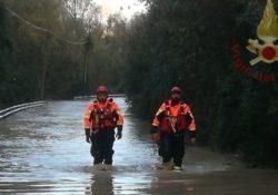 Miranda / Isernia. Maltempo e piogge abbondanti, oltre 50 gli interventi nelle ultime 24 ore: operaio rimasto bloccato salvato dai vigili del fuoco.