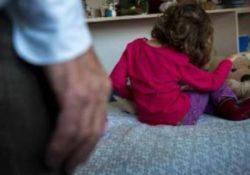 Casagiove / Caserta. Maltrattamenti in danno di una bimba di 3 anni: fermato il compagno della madre.