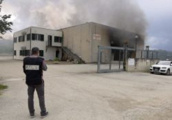 Agnone / Bagnoli del Trigno. Incendio ad un'attività commerciale: indagano i Carabinieri.
