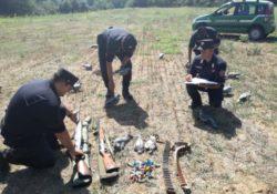 PONTELATONE / FORMICOLA. Carabinieri forestali sorprendono due bracconieri intenti a cacciare illegalmente esemplari di colombaccio nei giorni di preapertura della stagione venatoria.