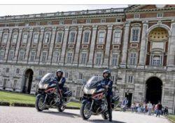 Caserta / Provincia. Beccati a vendere abusivamente ai turisti guide e gadget del complesso Vanvitelliano: denunce dei carabinieri.