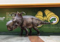 Caserta / Provincia. Un mega dinosauro nell'area Digital Space: la riproduzione fa parte della mostra che si sta tenendo nella riserva degli Astroni ad Agnano.