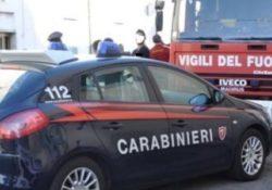 Sant'Agapito / Venafro. Incendio di un portone di un'abitazione: intervengono Carabinieri e Vigili del Fuoco.