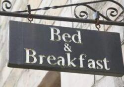 """Caserta / Provincia. """"Prima il sostegno per i Bed and Breakfast e poi il lokdown"""": Sit-in di protesta dinanzi il Palazzo della Regione Campania."""